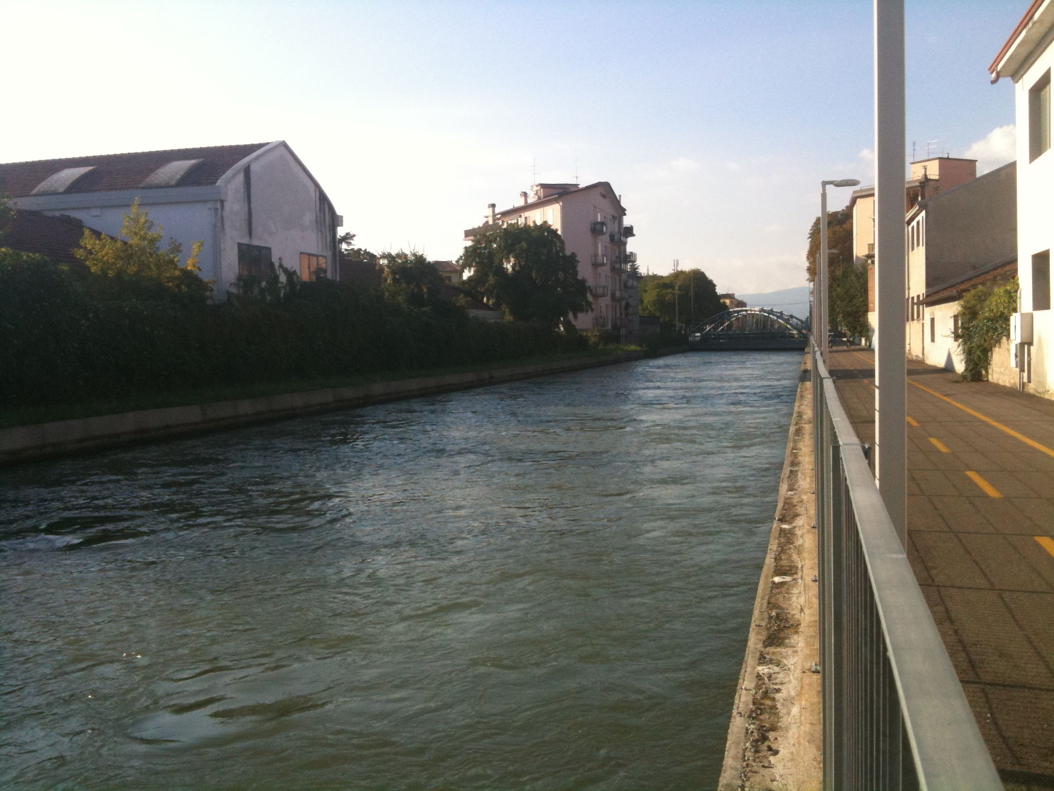 Canal_camuzzoni_-_ponte